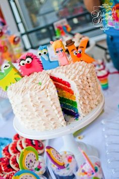 A fabulous party with muppets letter alphabet, fresh flower centerpieces, the animal, Dr. Pepper vintage posters & many more muppets party ideas. Muppet Babies, Rainbow Birthday, Cake Rainbow, 2nd Birthday, Birthday Ideas, Rainbow Theme, Colorful Cakes, Let Them Eat Cake, Amazing Cakes