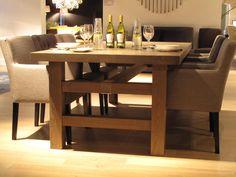 Equilibrium tafel met RVS beugel. In eiken hout gemaakt op maat.