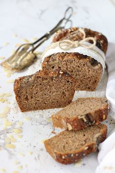 Vegan wholemeal flour Banana bread without sucrose. Healthy light and easy. Perfect at any time Flours Banana Bread, Banana Bread Recipes, Sweet Recipes, Vegan Recipes, Cooking Recipes, Best Italian Recipes, Favorite Recipes, Good Food, Yummy Food