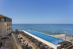Boasting am infinity rooftop pool with full city views and a hamam spa, The Setai Tel Aviv offers accommodations in Tel Aviv, 1969 feet from the Hatachana. Most Luxurious Hotels, Rooftop Pool, Instagram Worthy, Mediterranean Sea, 12th Century, Tel Aviv, Beautiful Buildings, Castle, City