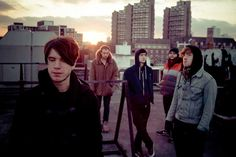 Le groupe anglais Breton sort un deuxième album 'War Room Stories'...Interview