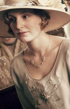 the fashion of Downton Abbey