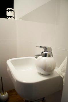 black&white toilet