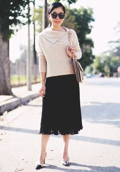 10.15 cashmere and pleats (Max Mara cashmere sweater + black pleated skirt + vintage Chanel pumps + Chloe 'faye' bag + Karen Walker sunnies)