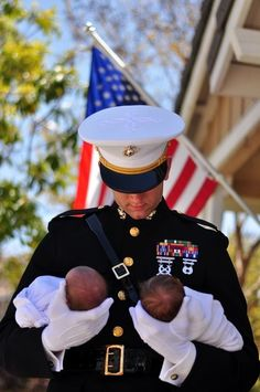 Proud marine with his newborn twins cute Newborn Twins, Twin Babies, Newborns, Military Love, Military Families, We Are The World, Real Hero, American Pride, American Flag