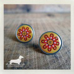 Autumn Daisy Post Earrings  Flower Red Orange by PickleDogDesign, $6.50