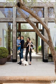 To transform their family's house in Beverly Hills, California, fashion designer Jenni Kayne and her husband, real-estate agent Richard Ehrlich, tapped Silvia Kuhle and Jeffrey Allsbrook of Standard, a Los Angeles architecture | archdigest.com