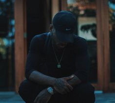 Bryson Tiller has been steady riding the wave off his platinum selling album TRAPSOUL, which took him around the world on tour. Bryson Tiller Wallpaper, Rapper Quotes, Her Campus, Queen Quotes, Music Is Life, Picture Quotes, It Hurts, Facts, Feelings