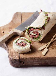 Wrapsene er virkelig nemme at lave og kan både bruges til en forret, på buffeten eller i madpakken, hvis du virkelig skal forkæle nogen.