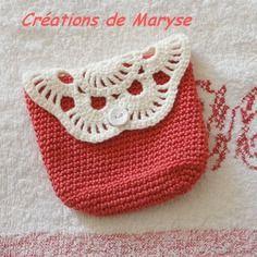 pochette au crochet fait main. Dans ma boutique : http://www.alittlemarket.com/boutique/creations_de_maryse-558049.html