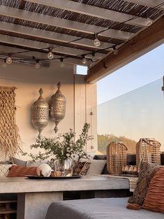 10 gode tips til en koselig uteplass - Franciskas Vakre Verden Terracotta, Table Decorations, Furniture, Home Decor, Decoration Home, Room Decor, Home Furnishings, Home Interior Design, Terra Cotta