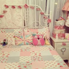 love the owl and union jack pillow....
