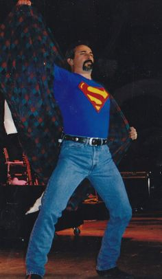 super man of country  Aaron Tippin
