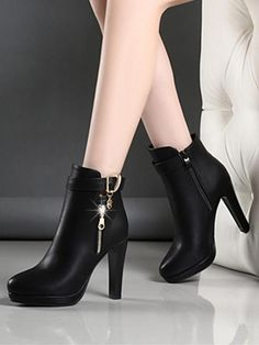 Available Sizes : Heel Height : Heel Height : High Heel Type : Chunky Boot Shaft : Ankle Color : Black Toe : Round Shoe Vamp : PU Leather Closure : Zipper Source by paosleonm fashion boots Casual Leather Shoes, Casual Boots, Leather Boots, Pu Leather, Leather Sandals, Boots For Short Women, Short Boots, Boots Women, Timberland Stiefel Outfit
