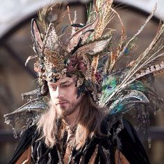 This headpiece easily would be nicely incorporated into Oberons costume