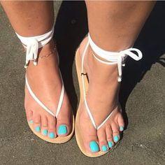 I love women's feet! Pretty Sandals, Sexy Sandals, Bare Foot Sandals, Summer Sandals, Fashion Sandals, Cute Toes, Pretty Toes, Feet Soles, Women's Feet