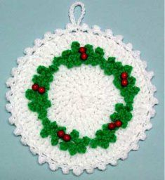 Holly Wreath Potholder ~ free pattern