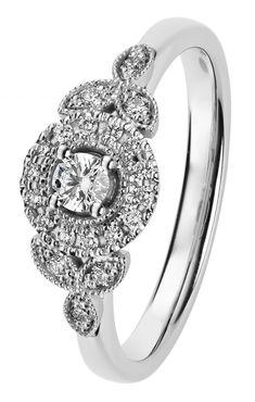 Clara Queen timanttisormus valkokulta Kohinoor-mallistoa. Suositushinta 1298 €.  Design Sami Laatikainen Tuotenumero 033-269V-22 Materiaali 14K valkokulta Rungon leveys 2 mm Timantit 0,09 + 14 x 0,005 + 6 x 0,01 H SI Heart Ring, Queen, Engagement Rings, Jewelry, Design, Fashion, Enagement Rings, Moda, Wedding Rings