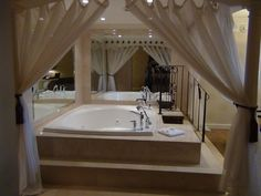 The Honeymoon Suite at the Royal Sonesta Hotel New Orleans.