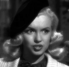 "Old Pics Archive on Twitter: ""Marilyn Monroe Movie GIFs https://t.co/zF7szQM7ju https://t.co/ZpEgzNY8bp"""