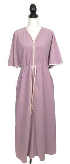 Vintage 1970s Vanity Fair Robe House Coat Lounge Wear Sz M Purple Half Zip  Women Nightgowns ede0d6dce