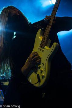 Lynd - Twilight Force ⚫ Photo by Stian Koxvig ⚫ Trondheim 2016 ⚫ #TwilightForce #music #metal #concert #gig #musician #Lynd #guitar #guitarist #mask #ninja #armour #armor #leather #blond #longhair #show #photo #fantasy #magic #cosplay #larp #man #onstage #live #celebrity #band #artist #performing #Sweden #Swedish #Falun #Byscenen #Trondheim