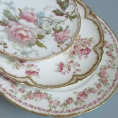 Vintage China I have lots of limoges and it is especially lovely when it is mixed. Antique China Dishes, Antique Plates, Vintage Plates, Vintage Dishes, Decorative Plates, Vintage China, Vintage Tea, Limoges China, Haviland China