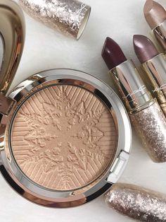 MAC Highlighter Mac Makeup Looks, Best Mac Makeup, Latest Makeup, Makeup Ads, Makeup Cosmetics, Beauty Makeup, Eye Makeup, Beauty Dupes, Drugstore Makeup