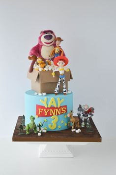 A gallery of fondant and gum paste cakes from a collection of cake decorators who have created unique and fun birthday parties for girls around the world. Toy Story Birthday Cake, 3rd Birthday Cakes, Dinosaur Birthday, Birthday Fun, Toy Story Cake Toppers, Toy Story Cakes, Cumple Toy Story, Festa Toy Story, Toy Story Theme