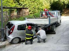 Nonno muore al volante, il nipotino prende la guida ed evita strage