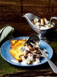 Pilze in Dijonsahne mit gebratener Ricottapolenta