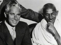 Ultimate Collection Of Rare Historical Photos. A Big Piece Of History Pictures) - Charlie Chaplin and Mahatma Gandhi Sammy Davis Jr, Sophia Loren, Jerry Lee Lewis, Christopher Reeve, Danny Devito, Ella Fitzgerald, Liam Neeson, Louis Armstrong, Rare Historical Photos