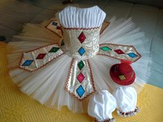 Harlequinade tutu with hat and arm puffs by Tutupro.
