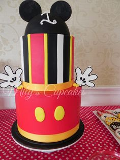 Mickey mouse Cake by MilysCupcakes, via Flickr