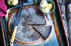 A deliciously rich Bonfire night pud made with golden syrup & black treacle. Visit Tesco Real Food for more Bonfire night food & treacle toffee recipes. Tart Recipes, Baking Recipes, Uk Recipes, British Recipes, Bonfire Night Food, Sticky Pudding, Molasses Recipes, Toffee Recipe