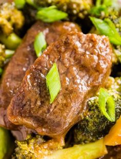 Sheet Pan Beef and Broccoli - Sheet pan dinner and veggie recipes - Pasta Stroganoff Recipe, Beef Stroganoff, Shrimp Macaroni Salad, Scalloped Potatoes And Ham, Ham Casserole, Meat Loaf Recipe Easy, Easy Meatloaf, Broccoli Beef, Quick Meals