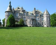 Painting homes in Bryn Mawr - known for its gorgeous manicured estates!