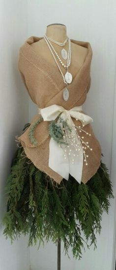 Burlap and pearls dress form I decorated for Marchelles Salon Tina: Hand crafted jewelry display