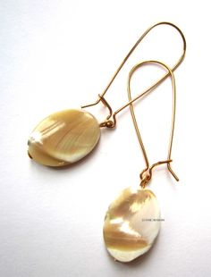 Oval mother of pearl mop drop fashion earrings by Bachigs on Etsy, $19.99