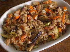 giovane cucina: Insalata di riso integrale con gamberi, surimi e v...