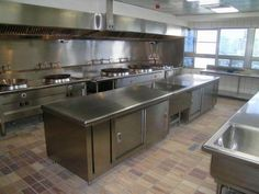 Bestekloza is one of the pioneers in supplying hotel kitchen equipment. A one stop solution for Turnkey commercial kitchen appliances. Restaurant Kitchen Design, Bakery Kitchen, Hotel Kitchen, Prep Kitchen, Kitchen Stove, Interior Design Kitchen, Happy Kitchen, Kitchen Ideas, Commercial Kitchen Design