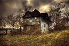 this house misses it's family...