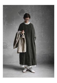 BerryStyle: Joie de Vivre 벨기에 린넨 와셔 인플레이션 숀 원피스 | 라쿠텐 일본 Textiles, Sewing Clothes, Normcore, Street Style, Chic, How To Wear, Image, Tops, Dresses