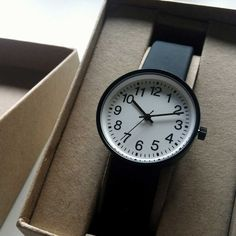 This clean sleek watch by Muji is stripped back to naked, making it simply stunning yet highly functional at the same time!