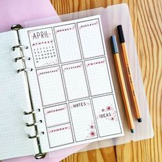 This is such an amazing idea for the bullet journal! Every year I get more organized and I love it! Can't wait to try this idea in my own planner! Bullet Journal Lettering, Bullet Journal Mood, Bullet Journal Ideas Pages, Bullet Journal Spread, Bullet Journal Layout, Journal Pages, Journal Photo, My Journal, Journal Inspiration