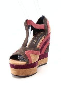 dadd4a50c7db REPORT NEW Brown Zani Women s Shoes 9M Peep Toe Wedges Sandal Pumps  89   497