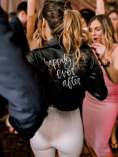 Digital Wedding Photography Tips – Fine Weddings Perfect Wedding, Dream Wedding, Wedding Fotos, Boho Vintage, Wedding Jacket, Here Comes The Bride, Steam Punk, Wedding Bells, Getting Married
