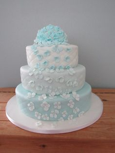 Bruidstaart 3 laags  3 tinten blauw