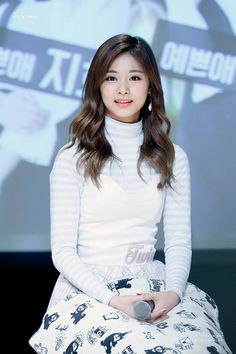 Tzuyu Twice kpop idol korea cute beauty fashion   ツウィ トゥワイス 韓国 オルチャン メイク ファッション  かわいい