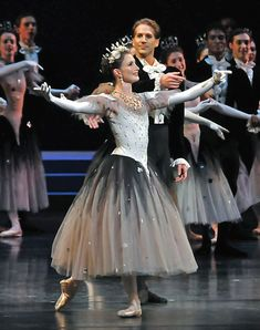 lauren cuthbertson & nehemiah kish THE COSTUME IS EVERYTHING IT GIVES ME STRICTLY GERSHWIN VIBES